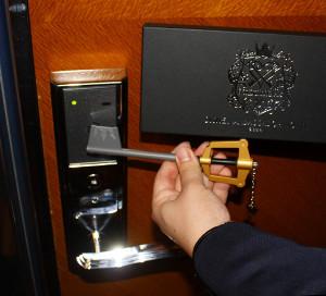 ディズニーアンバサダーホテル「キングダム ハーツ」スペシャルルームのキーブレード型ルームキー