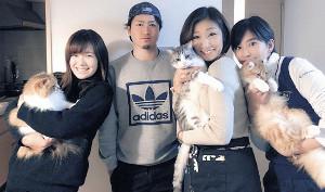 お正月は都内の自宅に家族が勢ぞろいしました(左2人目から弟・亜久里、母・美香、妹・美里です)