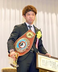 木村翔との一戦が年間最高試合に選ばれた田中恒成