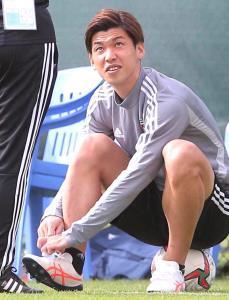 アジア杯ではアシックス社のスパイクを使用した大迫