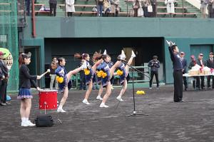 歓迎式で楽天ナインへ名桜大学チアが応援 パフォーマンス (カメラ・頓所 美代子)