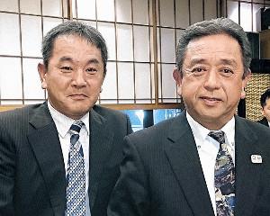 退任する日大国際・和泉監督(右)と後任の松崎コーチ