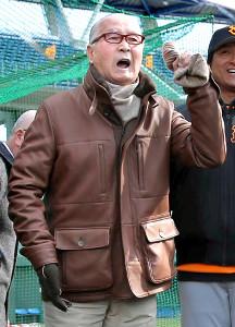 17年の春季キャンプで「勝つ 勝つ 勝つ!」と声を上げた長嶋さん