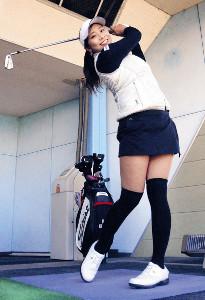 女子プロゴルフツアーに初めて本格参戦する熊谷。夢は大きく、目標は優勝(カメラ・武山 雅一)
