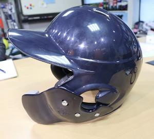 「C―FLAP」を付けたヘルメット