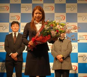 300勝達成表彰式&トークショーを行った石井寛子