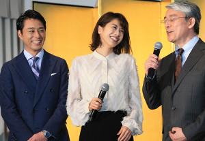 フジ夕方の報道番組「Live News it!」で初の報道キャスターに挑戦する加藤綾子アナ(中央、左は木村拓也アナ、右は風間晋解説委員)