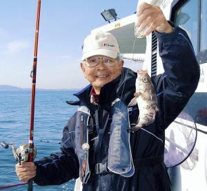 三重・鳥羽市の石鏡沖でメバル釣りを楽しんだ大西さん。これから数釣りの盛期を迎える