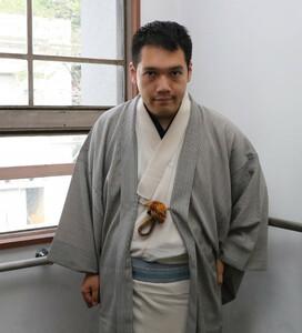 インタビューに応える神田松之丞
