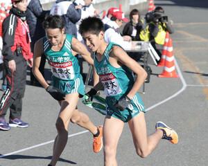 青学大3区・田村和希(右)