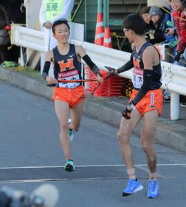 法大1区・土井大輔(左)