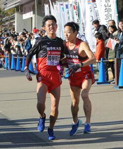 国学院大7区・内田健太(右)