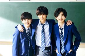 生徒役で共演する(左から)長尾謙杜、永瀬廉、道枝駿佑
