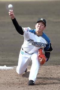 イースタン 日本ハム ・ヤクルト 5回に2番手で登板した吉田輝星
