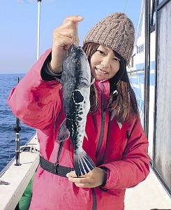 高級魚のトラフグが釣れたが、さばける人がおらずリリース