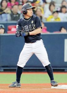 9回2死二塁、右中間に適時三塁打を放った福田