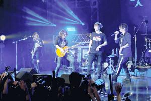 ACE OF SPADES初の全国ツアーファイナルで共演した(左から)HISASHI、TAKURO、TAKAHIRO、TERU