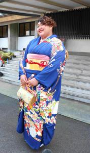 東海大卒業式に出席した朝比奈沙羅