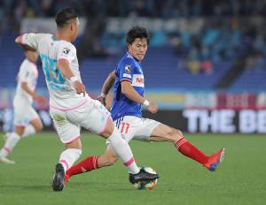 後半、前線でプレスする横浜M・遠藤渓太(カメラ・宮崎 亮太)