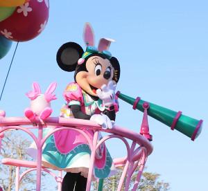 パレードに登場したミニーマウス(カメラ・橘田 あかり)
