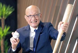 "NHKを退職し、フリーアナウンサーとして第二の人生をスタートする小野塚康之アナ。""生涯一実況アナ""として、野球の醍醐(だいご)味を視聴者に伝えていく(カメラ・関口 俊明)"