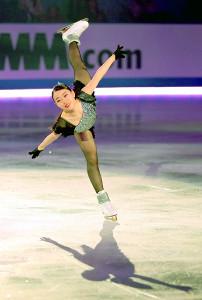 エキシビションで観客を魅了する滑りを披露した紀平梨花