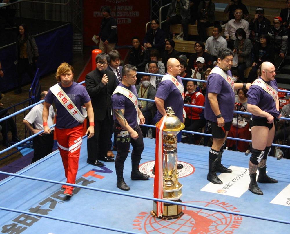 平成最後のチャンピオン・カーニバル入場式(左から宮原健斗、ゼウス、岡林裕二、石川修司、ディラン・ジェイムス)