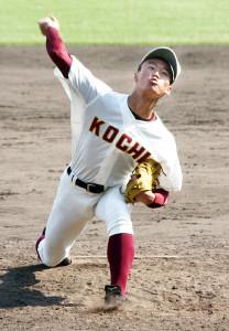 高知・森木は公式戦デビューで147キロをマークした(カメラ・伊井 亮一)