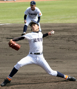 4回4失点で降板した滋賀学園・尾崎