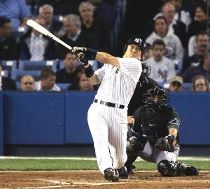 2006年9月12日、124日ぶりのメジャー復帰戦となったヤンキースの松井秀喜が、1回1死一、三塁、復帰後初打席で中前適時打を放つ