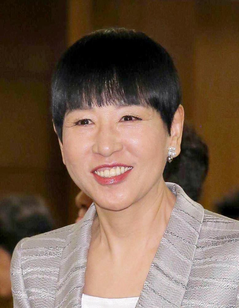 和田アキ子、昨年11月に手術した眼瞼下垂の回復が思わしくない