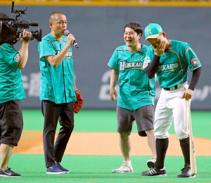 北海道出身のお笑いコンビ・タカアンドトシ(右から杉谷、タカ、トシ)