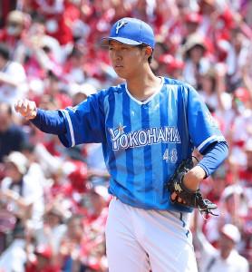 初回1死一、二塁、鈴木に先制3ランを打たれた京山(カメラ・豊田 秀一)