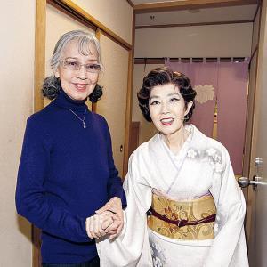 森光子さん(右)の舞台を観劇し楽屋で記念撮影(2010年1月)