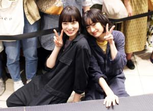映画「さよならくちびる」公開記念でラジオの公開収録に参加した小松菜奈(左)と門脇麦