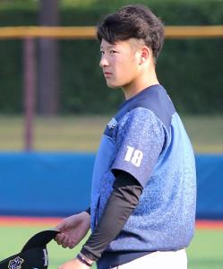 横須賀スタジアムで試合前練習を行った吉田輝