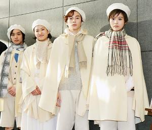 舞台「恐るべき子供たち」公開ゲネプロを行った(左から)松岡広大、南沢奈央、柾木玲弥、馬場ふみか