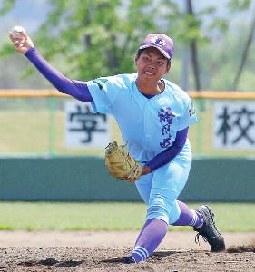 4安打完封の滝川西・山崎(カメラ・清藤 駿太)