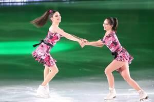 エフゲニア・メドベージェワ(左)とエリザベータ・トゥクタミシェワ