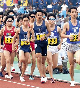 1部5000メートルで東洋大のエース相沢(中)が意地の5位入賞