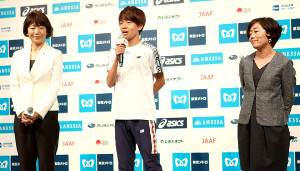 MGC出場選手発表会見に出席した(左から)高橋尚子さん、神野大地、野口みずきさん