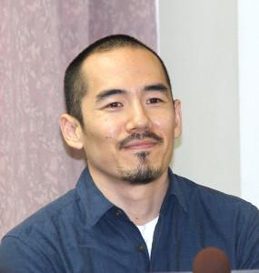 会見したミキ・デザキ監督