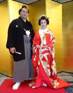 結婚披露宴を行った竜電と麻惟夫人