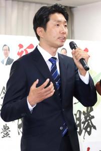 堺市長選で初当選した永藤英機氏