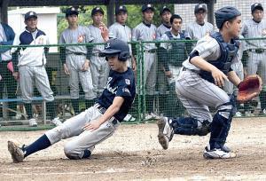 5回無死三塁、池田・石田の犠飛で三塁走者の有塚塚生還