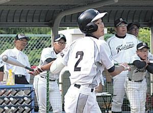 7回1死一、二塁、大阪交野・薬師寺が同点打