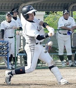 7回1死満塁、大阪交野・慶本が3点二塁打