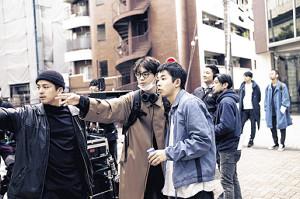 監督に初挑戦した菅田将暉(中)と主演の太賀(右)