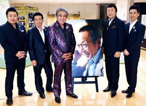 船村徹さんを追悼した(左から)村木弾、天草二郎、鳥羽一郎、静太郎、走裕介