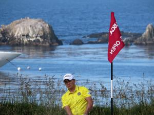 男子ゴルフの全米オープン会場のペブルビーチゴルフリンクスで1番からの練習ラウンドで最終調整した今平周吾